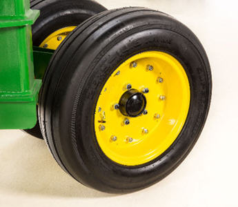 Pneumatic tire with seal bearing