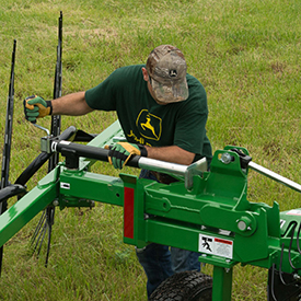 Adjusting windrow width