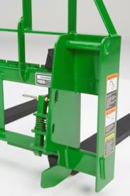Quick-change for 600 and 700 Series Loaders