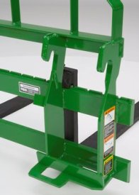 Quick-attach for 800 Series Loaders