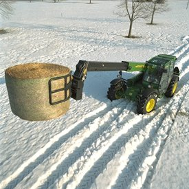 MJ4099 perfectly handles silage-wrapped bales