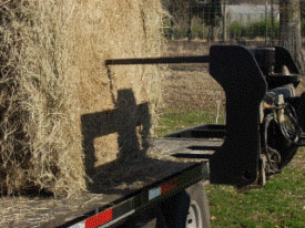 MJ4037 easily moves one round bale of hay