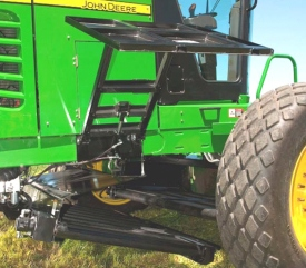 Merge two windrows together with a R450 Self-Propelled Windrower