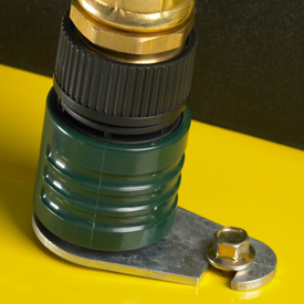 Mower wash port with hose connector