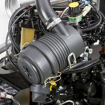 Diesel engine air cleaner