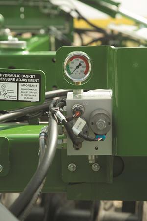 Hydraulic wing control pressure