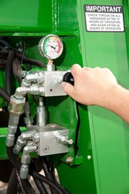 Active hydraulic pressure adjustment