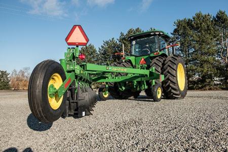 995 Moldboard Plow rear gauge wheels