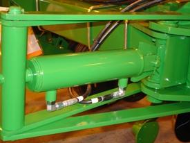 Hydraulic wing-fold cylinder