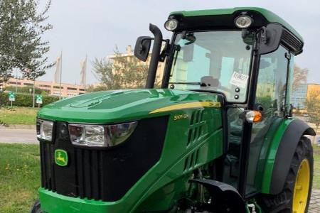 Specialty Tractors 5100GN John Deere US