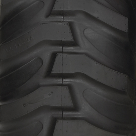 R4 rear tire tread shown (LVB25981)
