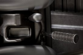 Center console storage an grab handle