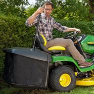 De hopper wordt eenvoudig vanuit de bestuurdersstoel geleegd