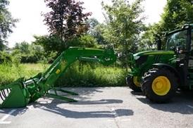 Lader en tractor losgekoppeld (6)