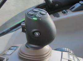 841L – elektrische joystick aangebracht op de CommandARM