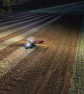Až 26 LED světel poskytuje osvětlení vrozsahu 360°