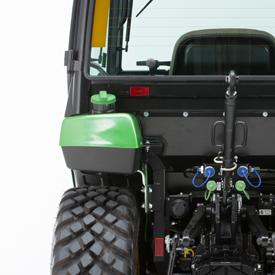 Umiejscowienie zbiornika paliwa / zbiornika paliwa po lewej stronie błotnika