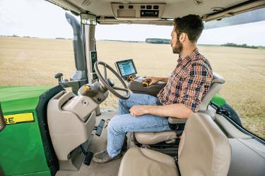 Niezwykle niski poziom hałasu (68 dB(A)) zapewnia większy komfort pracy