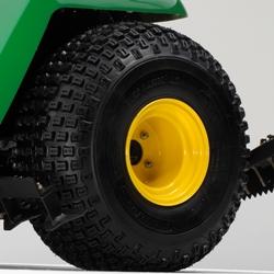 Opção de pneus com superfície com saliências