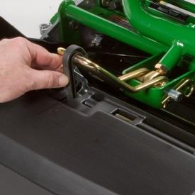 Sistema de clip do recolhedor de relva