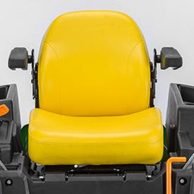 Assento ajustável (Z535M mostrado)
