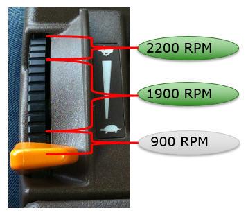 No modo Eco, o controlo do acelerador do motor é alterado e a pulverização e transporte são feitos às 1900 rpm