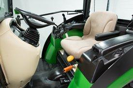 Assento Premium com suspensão pneumática