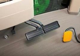Travão de pé com função AutoClutch integrada