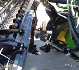 Быстросъемная жатка с ленточным транспортером 400D
