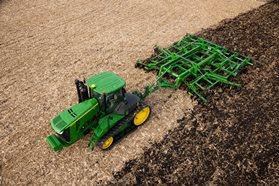 Работа модели 2730 по стерне кукурузы