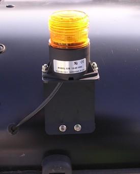 Roterande varningsljus – 48 V, monterad på hytt