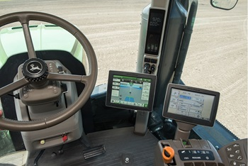 Pantalla universal 4640/CommandCenter™ GreenStar™ equipado en las máquinas del año de modelo 2013 de la serie 9R
