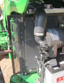 Radiador con malla de protección perforada