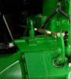 Ajuste del pedal de freno (se muestra parte izquierda)