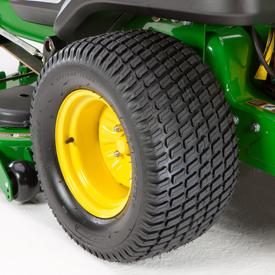 Neumático motriz