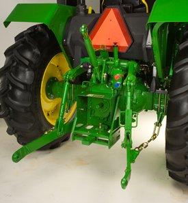 Enganche de tres puntos - Categoría 2 en el tractor 5E
