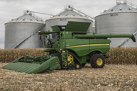 Harvesting in corn
