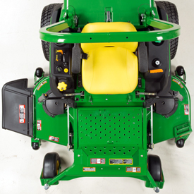Z997R with 72-in. (183-cm) 7-Iron PRO mower