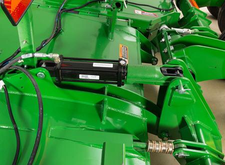 Transport lock on back axle