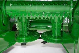 Piston motor-driven basecutter