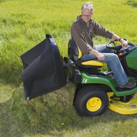 Durable 300-L (8.5-bu) hopper empties completely