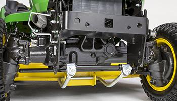 Heavy-duty cast front axle (4WD shown)