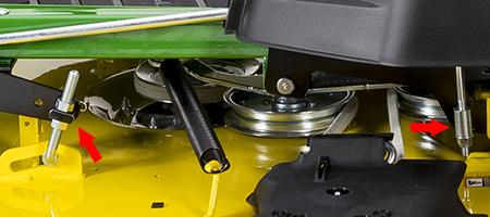 Mower level adjusting points