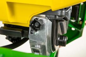 MaxEmerge double eliminator adjustment knob