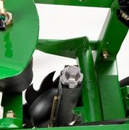 Row cleaner adjustment knob