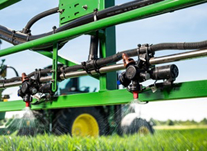 Spot-on spray accuracy with individual nozzle control
