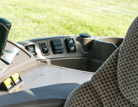 Auxiliary cord connection