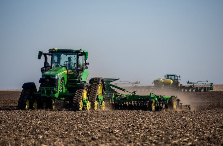 8RX and 8R Tractors in the field