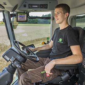 AutoTrac™ Universal 300 usado em uma colheitadeira