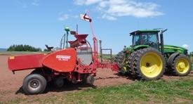 O sistema de orientação instalado em uma plantadeira de batatas
